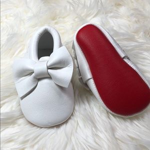 Other - White bow with red soles baby toddler moccasins
